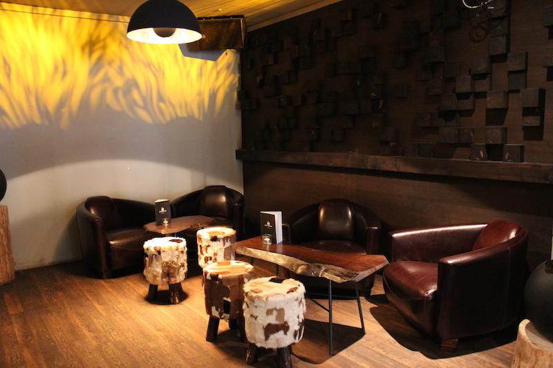 Distillers Bar Hinterraum
