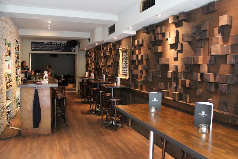 Distillers Bar Raum